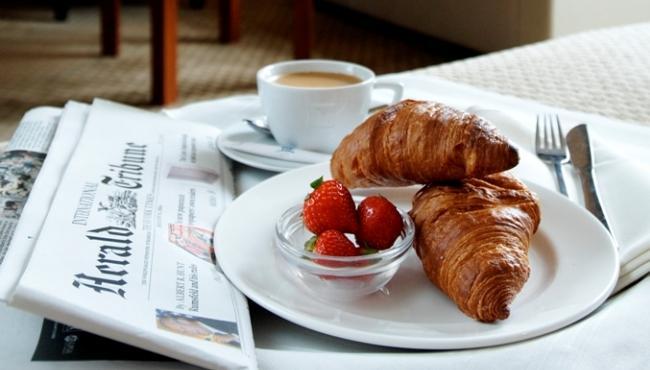 periodico-desayuno